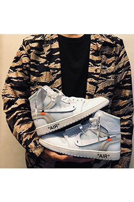 【オフホワイト OFF-WHITE】Air Jordan 1 Off White AJ1 スニーカー ash1761